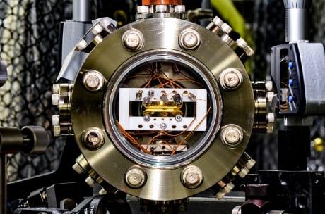 computer-quantiscici-trappola-ioni